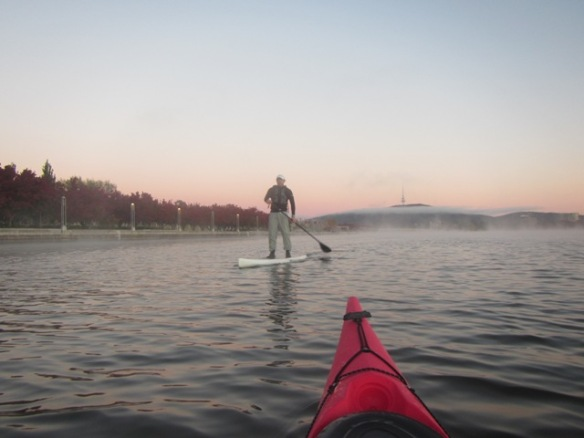 6.30am: Paddle Board Pete doing a few rounds of the lake.