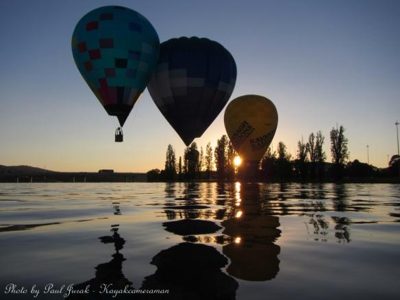 The balloon kiss